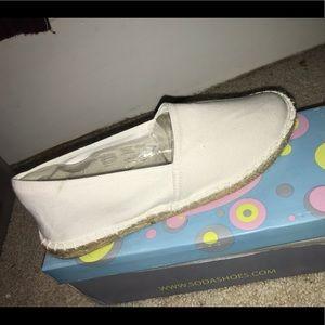 Soda slide on shoes